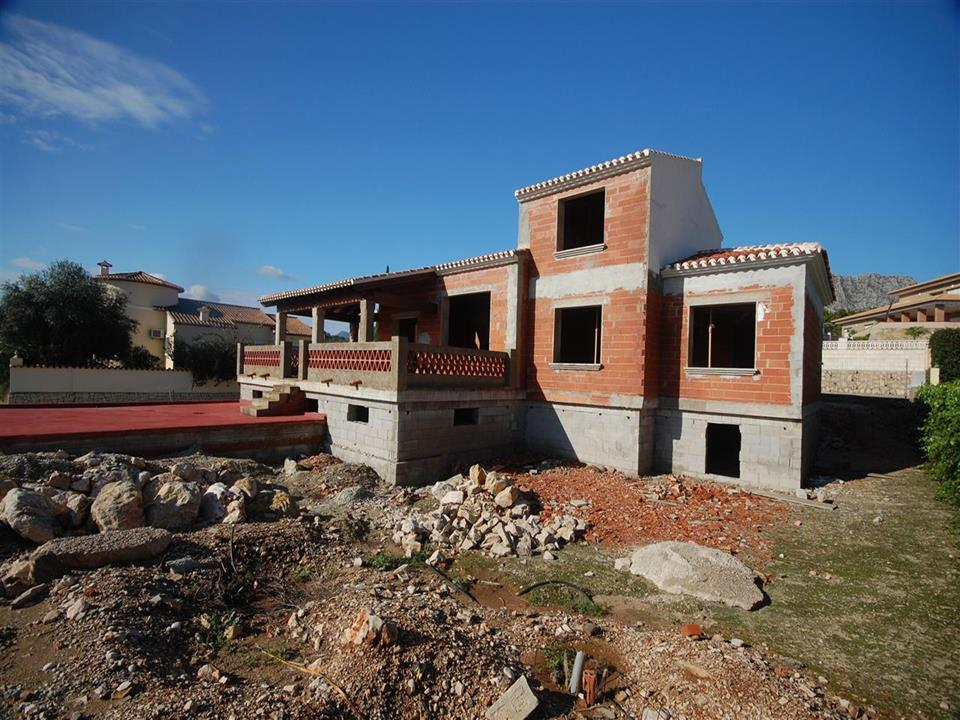 Superb villa in construction in a privileged residential area of Beniarbeig, located 500m to the vil, Spain