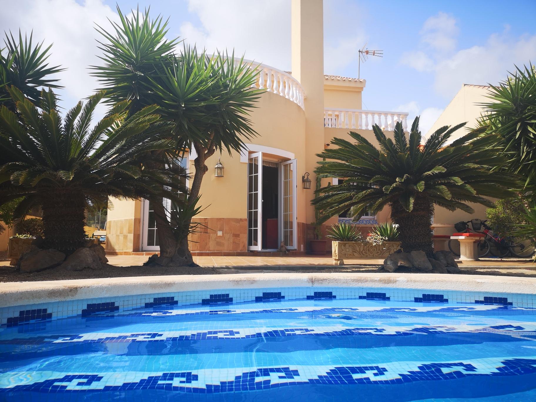 Ref:H12 Villa For Sale in Playa Honda