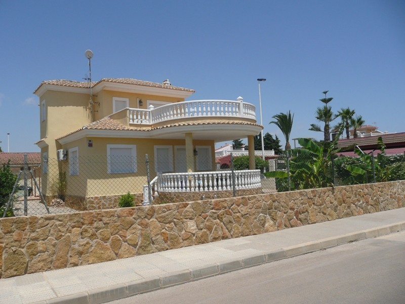 Ref:LDR001 Villa For Sale in Los Alcazares
