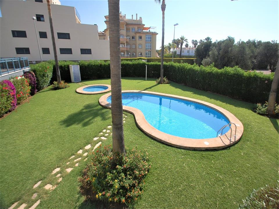 Apartment in Oliva