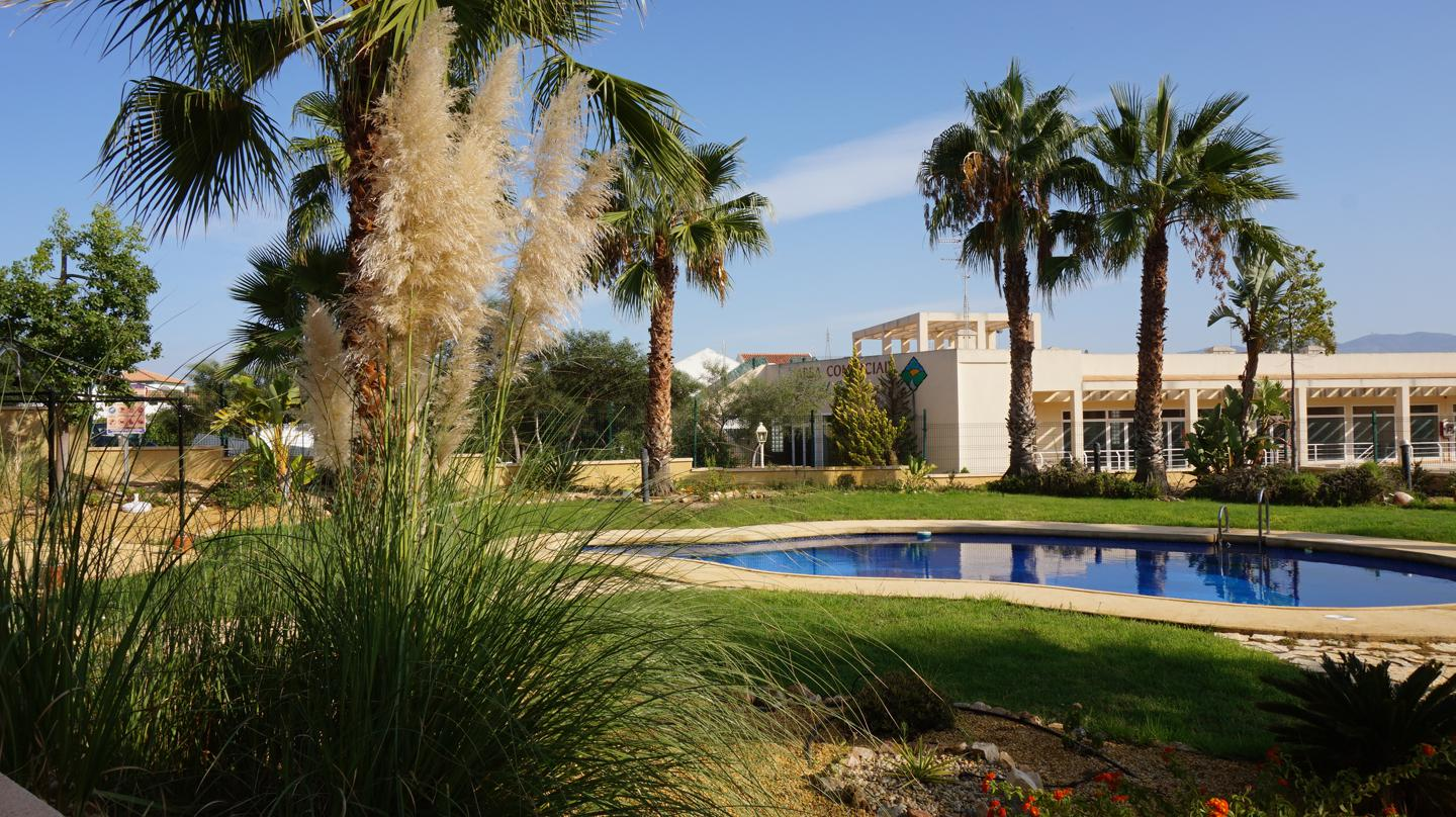 This duplex house with garden and community pool is located in El Pinar de Bedar, Almeria.  It is a , Spain